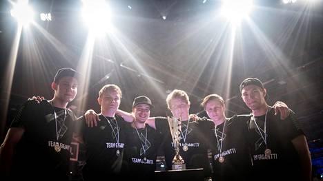 Team Gigantti juhli viime vuonna SM-hopeaa, mutta nyt joukkueelta löytyy myös SM-kulta.
