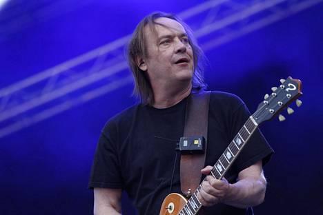 Eppu Normaali esiintyi Vesa Keskisen 50-vuotispäivillä heinäkuussa Tuurissa.