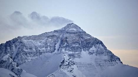 Mount Everestin huippu kuvattuna toukokuussa 2008.