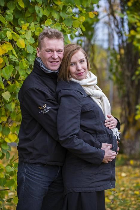 Toni ja Heidi Nieminen vahvistivat raskauden vasta syksyllä.