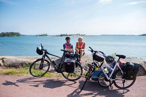Polkupyörän tykötarpeineen voi hyvin vuokrata paikan päältä.