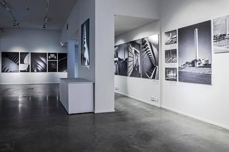 Muson ensimmäinen vaihtuva näyttely esittelee ikonisen Olympiastadionin, itse rakennuksen sekä sen tärkeimmät tapahtumat vuosikymmenten varrelta 1952 olympiakisoista Cheekin konsertteihin.