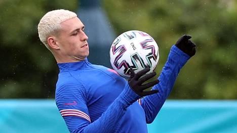 Phil Foden värjäsi hiuksensa vaaleaksi vain hetki ennen turnauksen alkua.