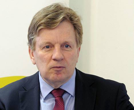 Työryhmän puheenjohtaja Esko Aho.