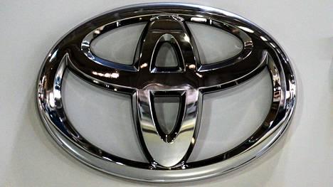 Kesäkuussa Toyota keskeytti tuotannon kahdella autotehtaalla Japanissa sirupulan takia.