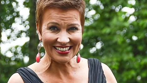 Arja Koriseva hehkui elämäniloa esiintyessään liikuttavassa konsertissa Tangomarkkinoilla perjantaina.