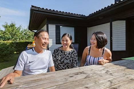 Thuyn Dieu Luun vanhemmat Luu Dinh Tan ja Nguyen Thi Thanh asuvat Vietnamissa ja vierailevat tyttärensä luona muutaman vuoden välein. Thuyn on asunut Närpiössä 18 vuotta.
