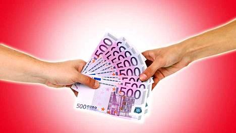 Vertaislainassa yksityishenkilö eli sijoittaja lainaa rahaa toiselle yksityishenkilölle.