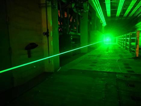 Salamaniskujen luomiseen käytettävää laseria testattiin Pariisissa laboratorio-olosuhteissa.