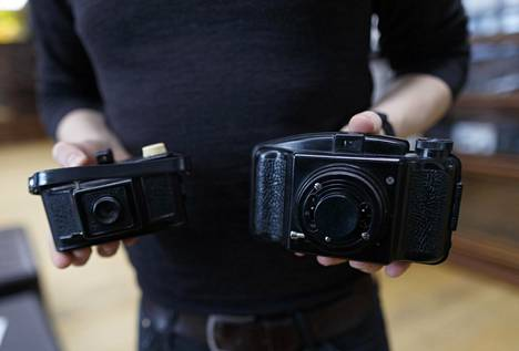 Tamperelaisen Sarviksen valmistama, ainoa koskaan Suomessa valmistettu kamera, Fotex ja Fotex Junior.