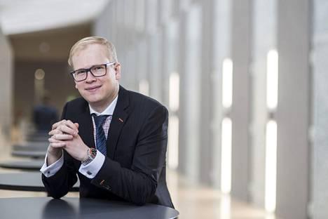 OP:n pääanalyytikko Antti Saari ei täysin tyrmää osakesovellusta.