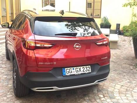 Opel Grandland X:n tavaratilan vetoisuus on 514–1 652 litraa.