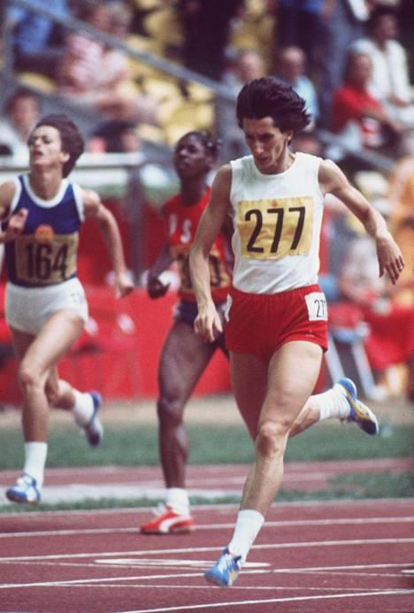 Szewinska teki yhden ME-tuloksistaan 400 metrillä Montrealin olympialaisissa 1976.