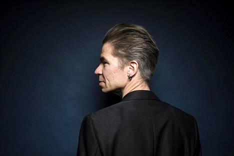 – Olen vanhan liiton mies. Haluan tehdä taas sitä, mitä tehtiin ennen. Tahdon näyttää, etten minä eikä musiikkigenreni eli kitarapop ole kuollut, Ville Pusa julistaa.