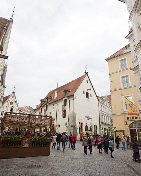 Tallinnan Vanhakaupunki on ollut myös suomalaisten matkailijoiden suosiossa.