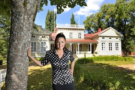 Sanin emännöimä Villilän kartano sijaitsee Nakkilassa.
