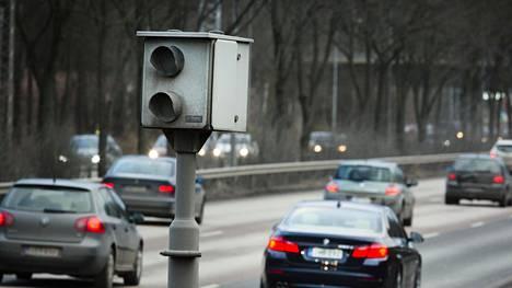 Ylikomisario täräytti pitkän listan julki: Näissä peltipoliiseissa on kamera pääsiäisenä