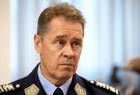 Poliisiylijohtaja Seppo Kolehmainen uskoo ammattitaidon olevan yksi syy poliisin arvostukseen.