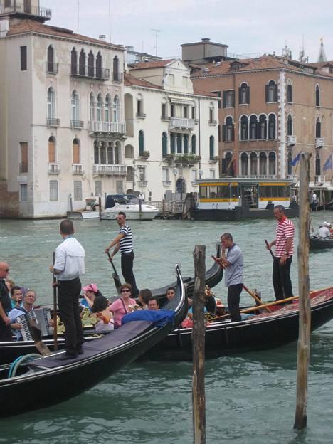 Venetsian keskustassa ei asu enää paljon paikallisia, sillä vuokrat ovat nousseet liian korkeiksi.