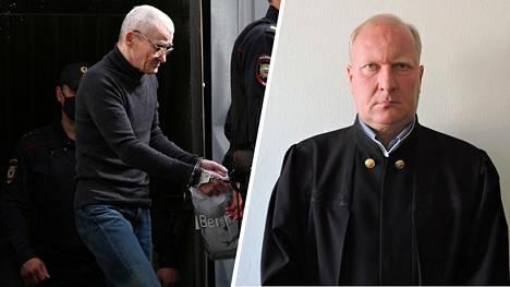 Petroskoin kaupunginoikeuden tuomarilla Aleksandr Merkovilla (oik.) näyttää olleen suuria vaikeuksia uskoa syyttäjän esittämiä todisteita Juri Dmitrijeviä vastaan.