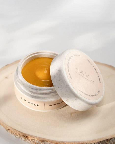 Havun tuotteet valmistetaan Suomessa. Havu Cosmetics Lip Mask, 25 €. Saatavilla merkin omasta ja valikoiduista kauneusverkkokaupoista sekä valikoiduilta kivijalkajälleenmyyjiltä kautta maan.