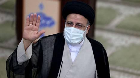 Äärikonservatiiviselle Iranin presidenttiehdokkaalle