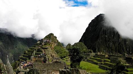 Muinainen inkakaupunki Machu Picchu on joutunut yllättävien nakutempausten kohteeksi.