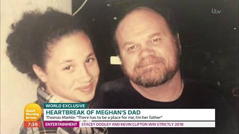 Thomas Markle esitteli aamu-tv:ssä myös vanhoja perhekuvia, joissa isä ja tytär poseerasivat onnellisina. Thomas kuvaili tv-haastattelussa olevansa ihmeissään hänen ja Meghanin välirikosta.
