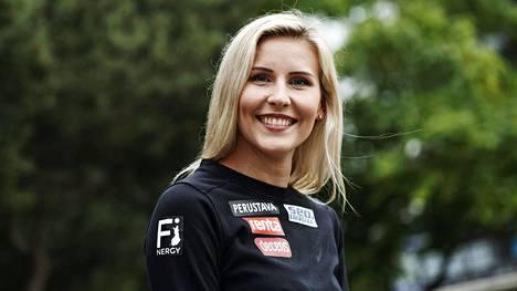 Kristiina Mäkelän ja muiden huippu-urheilijoiden arkeen kuuluvat dopingtestit. Mäkelä avasi testikäytäntöjä podcastissa. Kuva elokuulta 2020.