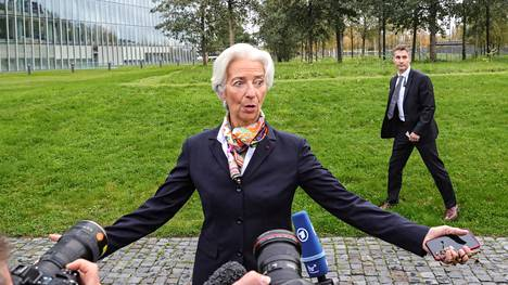 EKP:n johdossa aloittaneen Christine Lagarden linjauksia rahapoliittisesta elvytyksestä odotetaan korvat höröllä.