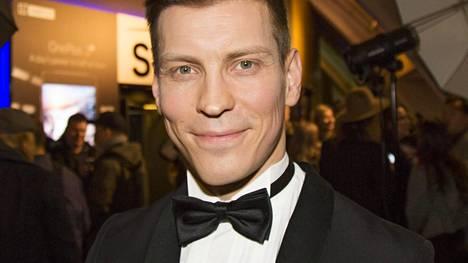 Näyttelijä Antti Holma kertoi seuraajilleen hyviä uutisia tilanteestaan.