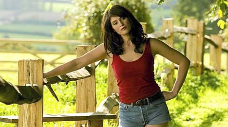 James Bond -elokuvasta Quantum of Solace tuttu Gemma Artenton sekoittaa miesten päät nyt elokuvassa Tamara Drewe.