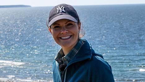 Kruununprinsessa Victoria on samoillut kuluneen vuoden aikana pitkin Ruotsin luontoa. Kuva vuodelta 2018 Gotlannista.