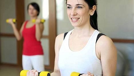 Sydän on lihas, jota tulee harjoittaa ihan kuten muitakin lihaksia. The American Heart Association suosittelee 150 minuuttia kevyttä liikuntaa viikossa ja voimaharjoittelua kahdesti viikossa.
