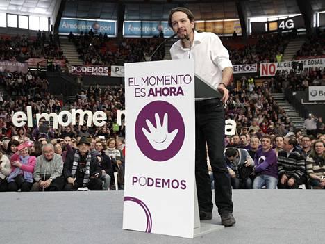 Podemosin Pablo Iglesias puhui puolueen kokouksessa Espanjan Valenciassa.