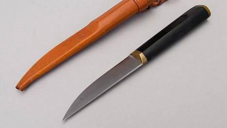 Tapio Wirkkalan Hackmanille suunnittelema puukko on keräilyklassikko.