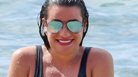 Glee-sarjan tähti Lea Michele nauttii elämästään vaikeiden vuosien jälkeen.