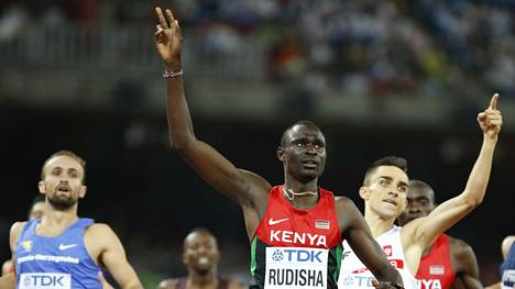 Rudisha tuuletti saavuttuaan maaliin mestarina.