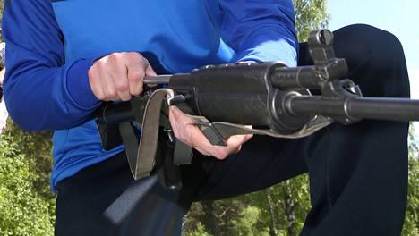 RK-62-rynnäkkökivääri on edelleen kateissa Porin prikaatissa ja tutkinta jatkuu.