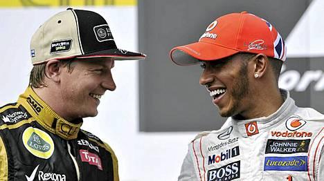 Kimi Räikkönen (vas.) ja Lewis Hamilton ovat hyvällä asialla.