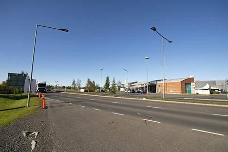 Auki on. Tornion raja on avattu, kuvassa näkymä Suomesta Ruotsin suuntaan.