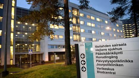 Helsingin ja Uudenmaan sairaanhoitopiirin toimipisteissä on ollut tänään tietoliikennehäiriö.
