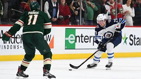 Patrik Laine jäi tehopisteittä yrityksistä huolimatta Minnesotaa vastaan.