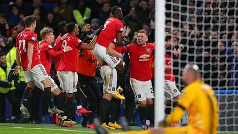 Manchester United juhlii Harry Maguiren 2–0-maalia.