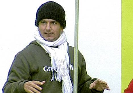 Tamer (kuvassa) kävi perjantaina ostoksilla yhdessä Stefanin kanssa.