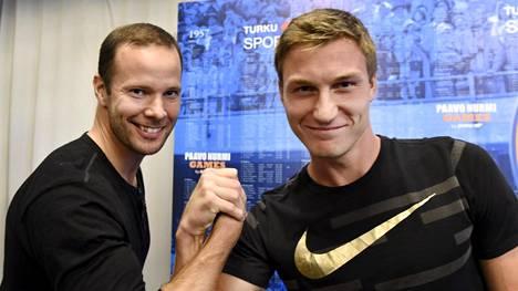 Pitkämäki ja Röhler maanantaina lehdistötilaisuudessa Turussa.
