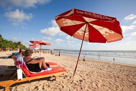 Kuta-beach on Balin suosituimpia rantoja.