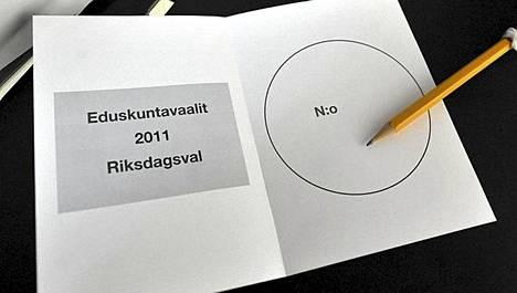 Äänestysliput loppuivat Suomen suurlähetystöstä Berliinistä.