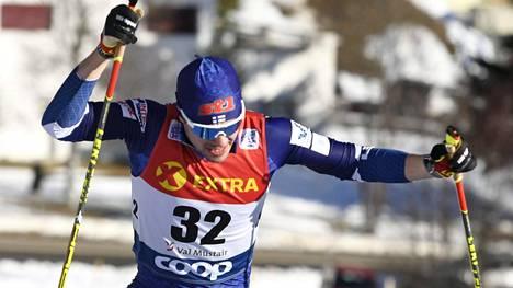 Ristomatti Hakola viides aika-ajoissa – suomalaisnelikko jatkoon miesten sprintissä