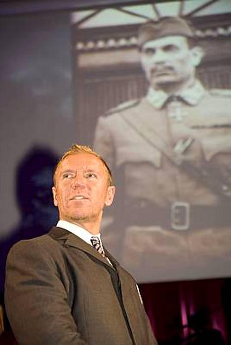 Renny Harlin työstää elokuvaa marsalkka Mannerheimista.